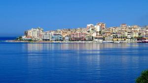 Strand i Albanien. Bild från Pixabay.